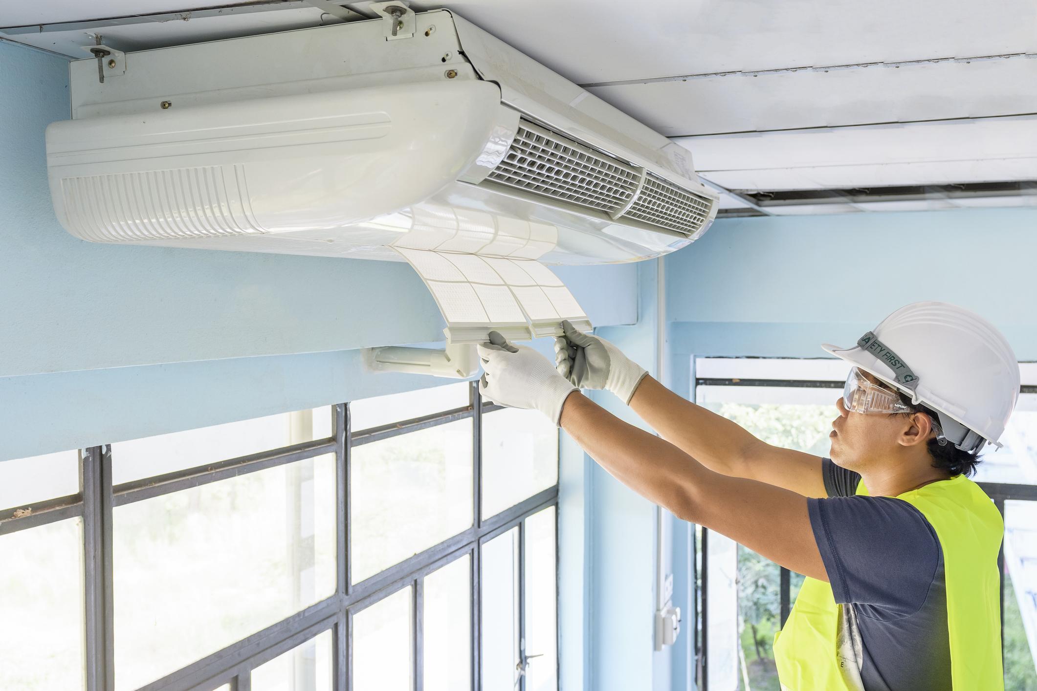 entra-em-vigor-lei-que-obriga-manutencao-de-ar-condicionado-em-edificios