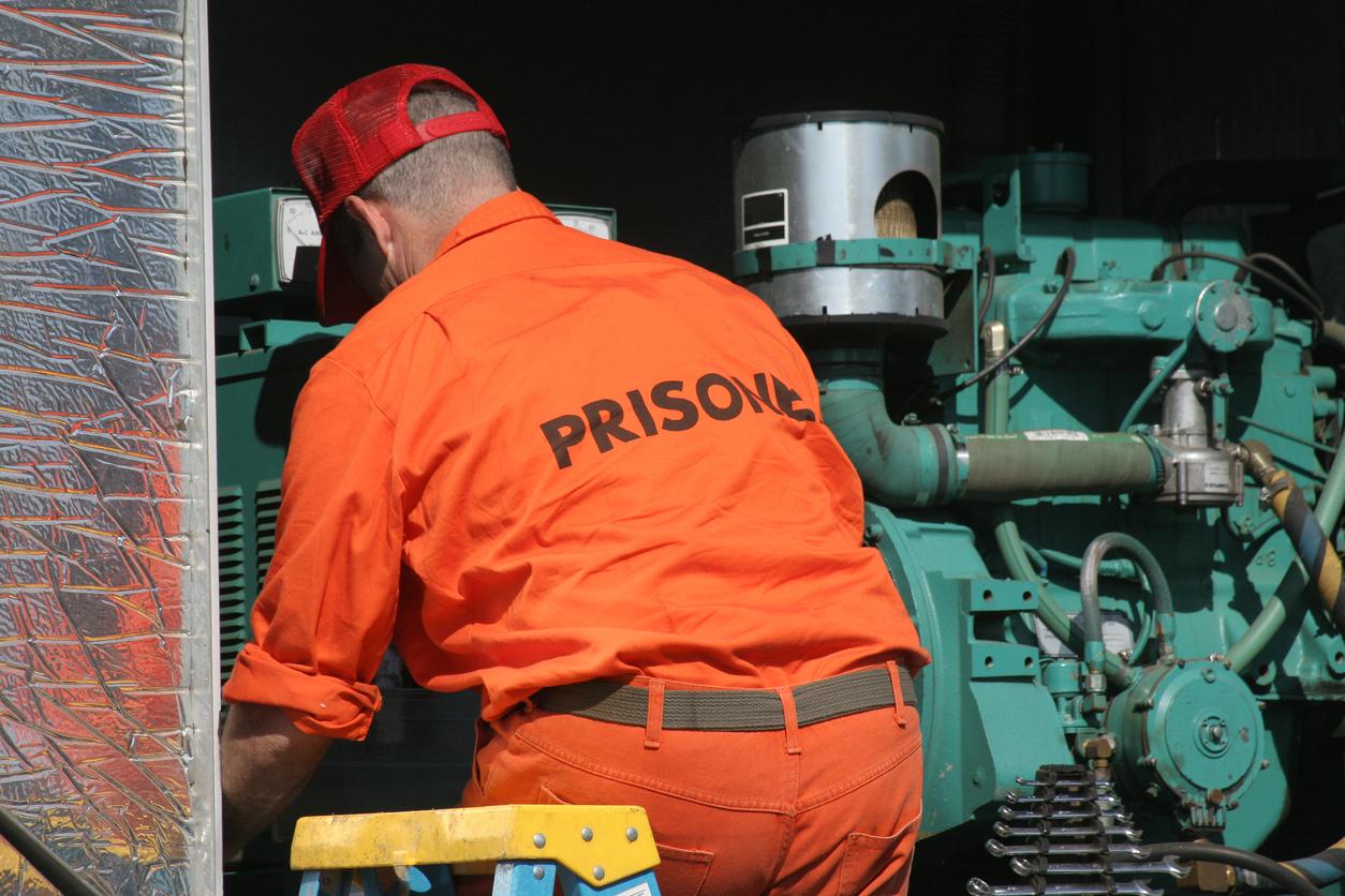 Decreto cria cotas para presos e ex-presidiários em empresas contratadas pela União