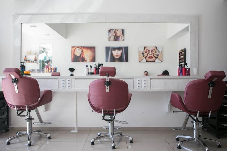 Lei permite parceria entre profissionais e salões de beleza sem vínculo empregatício