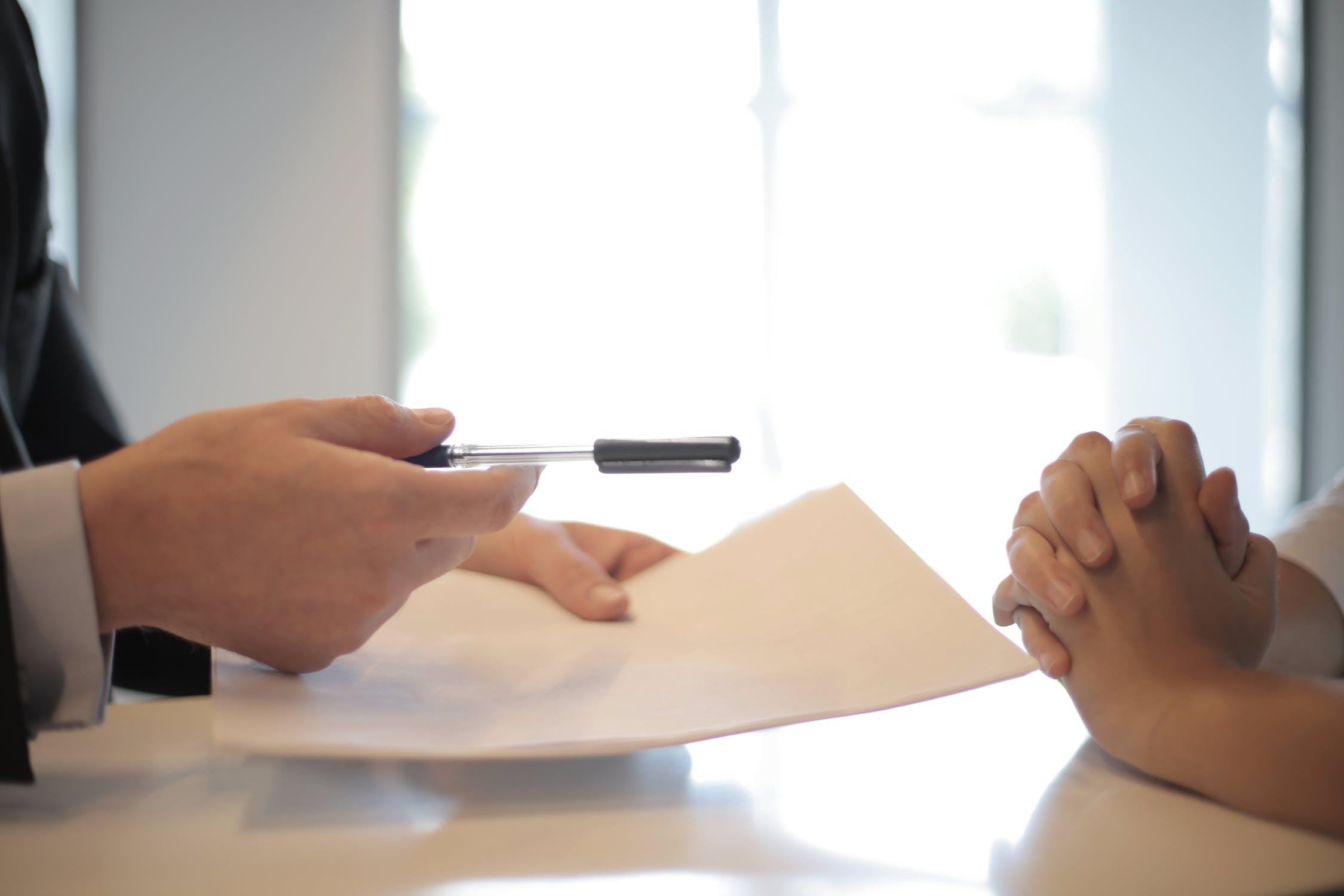 Qual o tempo máximo para cobrar judicialmente um contrato particular?